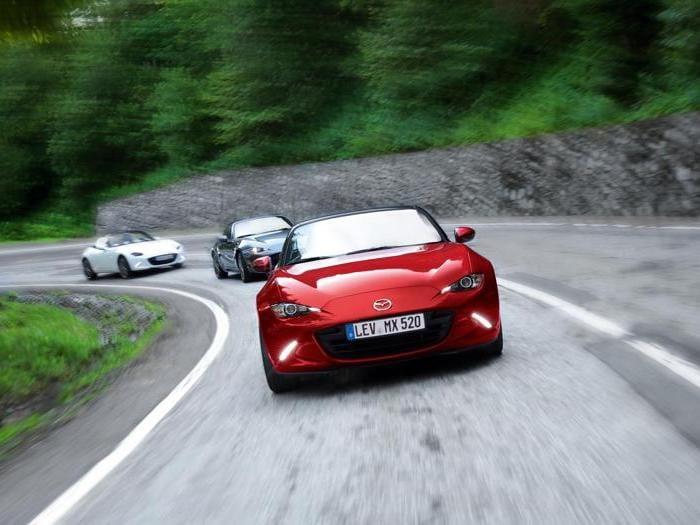 Mazda MX-5, le foto di tutte le generazioni