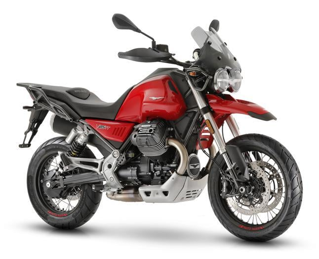 Moto Guzzi V85 TT, in sella alla enduro italiana