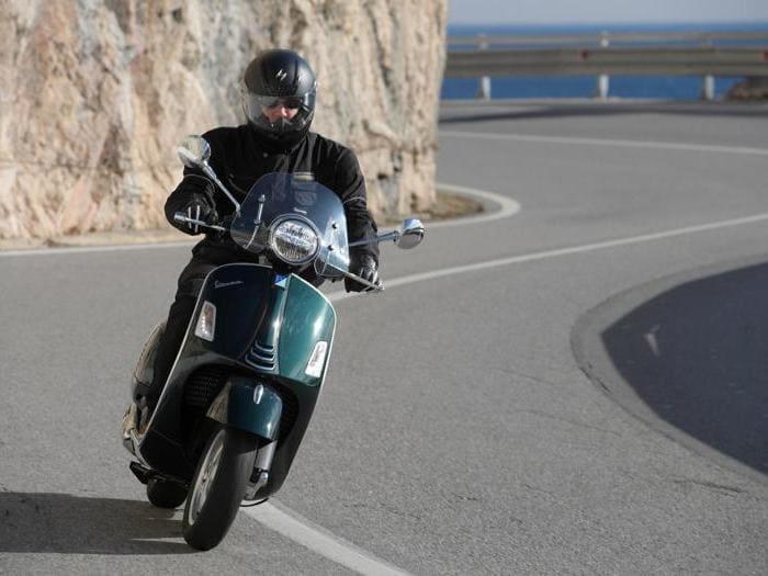 Nuova Vespa GTS 300: tradizione e modernità. La nostra prova su strada