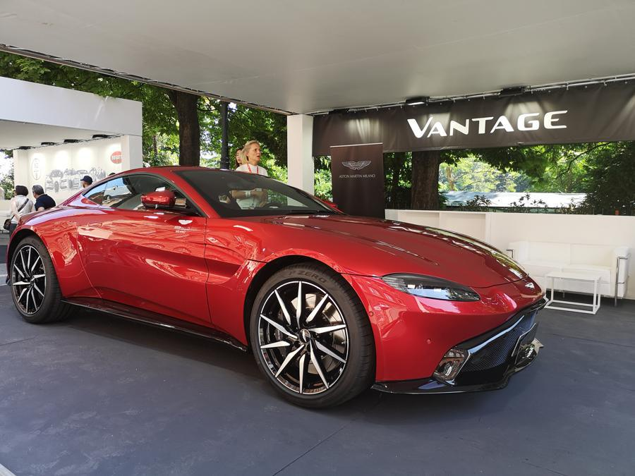 Aston Martin Vantage (Giulia Paganoni)