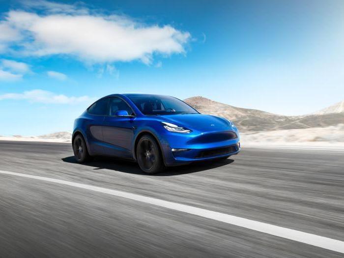Tesla Model Y, il crossover compatto di Elon Musk