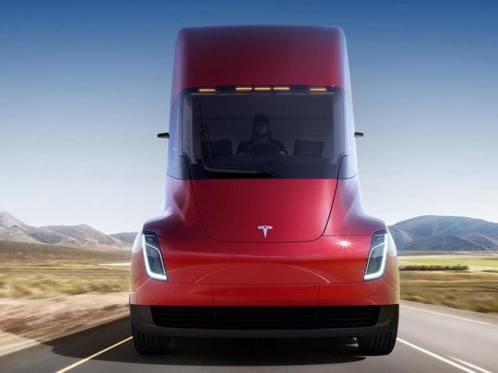 Tesla Semi, il Supertir elettrico