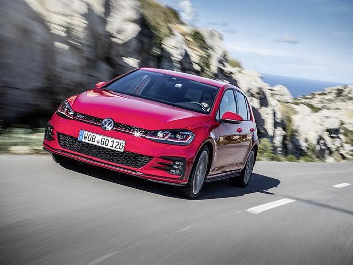 Volkswagen Golf, rinnovamento digitale per la media tedesca