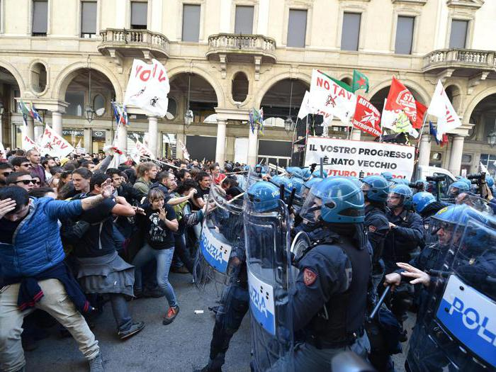 1° maggio, Torino: no Tav lanciano oggetti alla Polizia