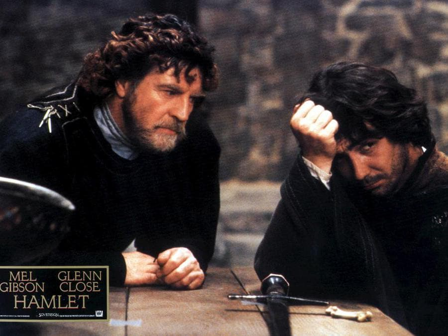 Una scena del film «Hamlet» con Mel Gibson e Glenn Close - 1990 regia di Franco Zeffirelli  (Marka)