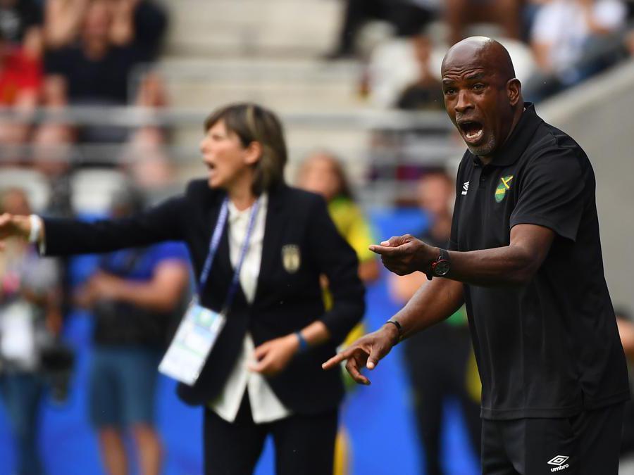 L'allenatore della Giamaica, Hue Menzies (Afp)