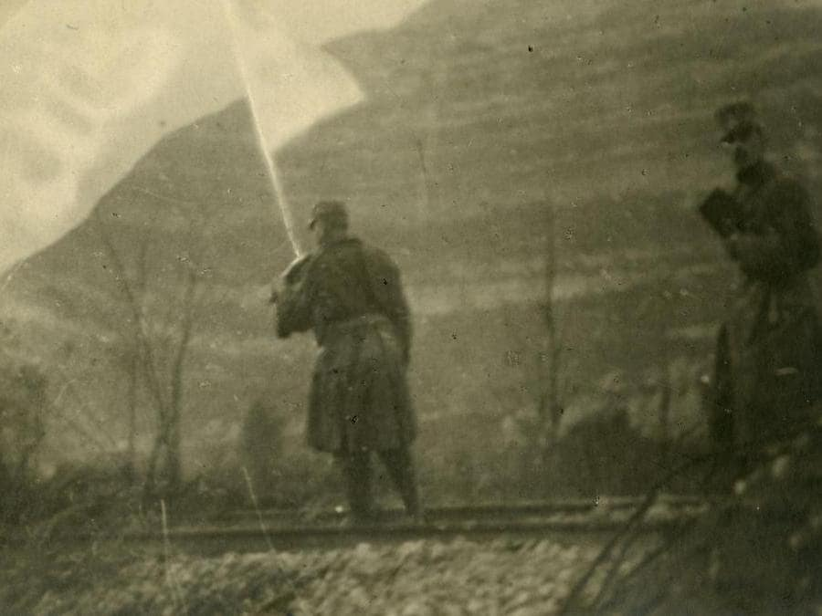 Bandiera bianca per l'armistizio, 29 ottobre 1918 (archivio del Museo storico italiano della Guerra di Rovereto)