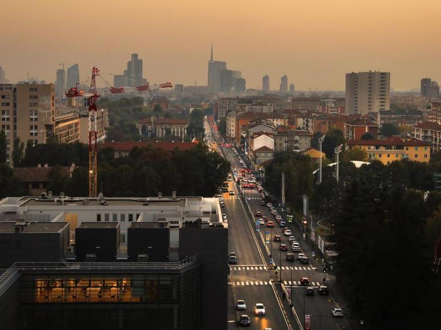 Viale Sarca e lo skyline