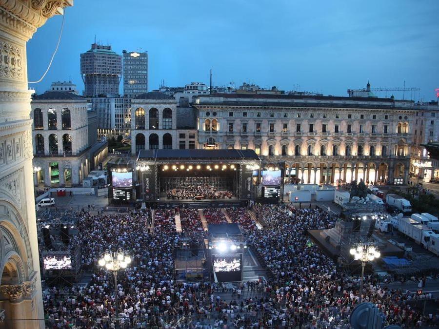 Veduta su piazza del Duomo durante un concerto