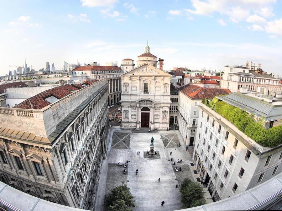Piazza San Fedele e l'omonima Chiesa