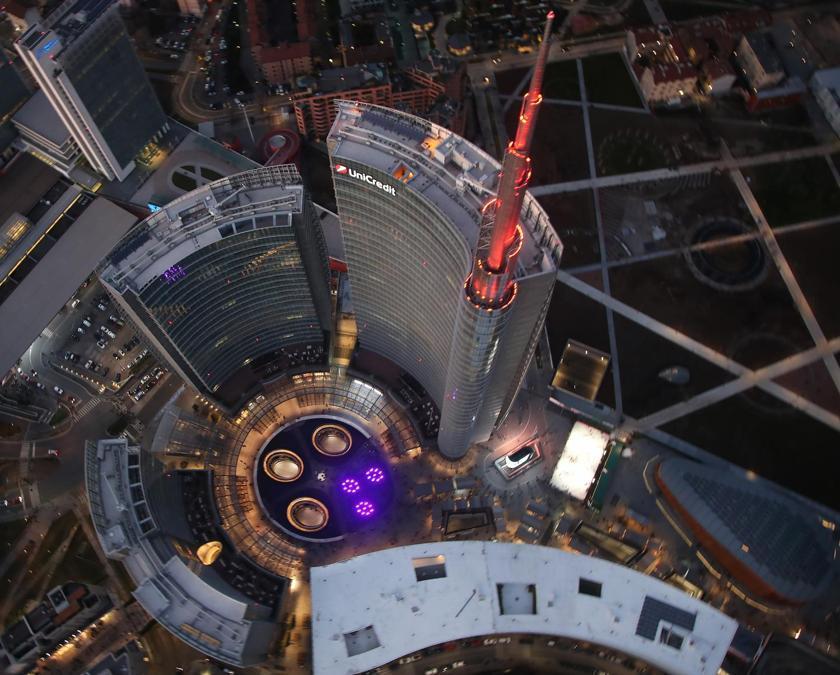 Piazza Gae Aulenti e torre Unicredit
