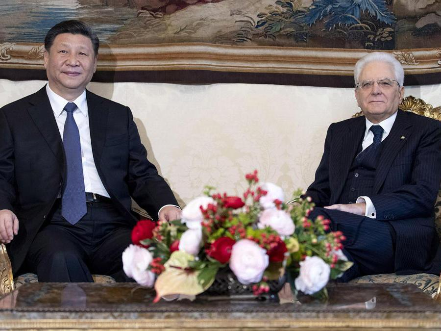Il presidente cinese  Xi Jinping con il presidente della Repubblica, Sergio Mattarella (Ansa / Ufficio stampa Quirinale)