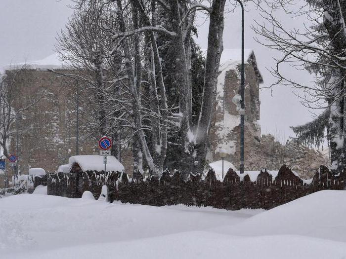 Nuovo sisma, emergenza neve nelle zone già colpite