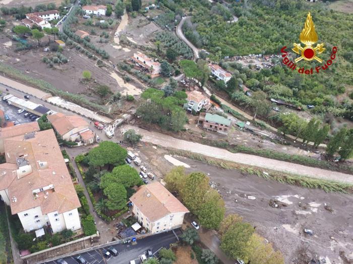 Nubifragio su Livorno,  sette vittime e un disperso