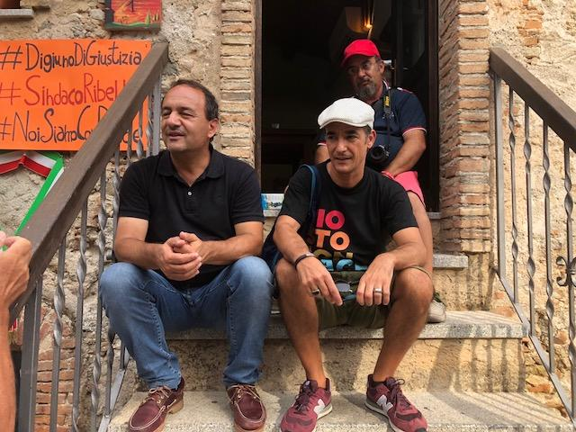 """Riace, il """"digiuno di giustizia"""" del sindaco Lucano"""
