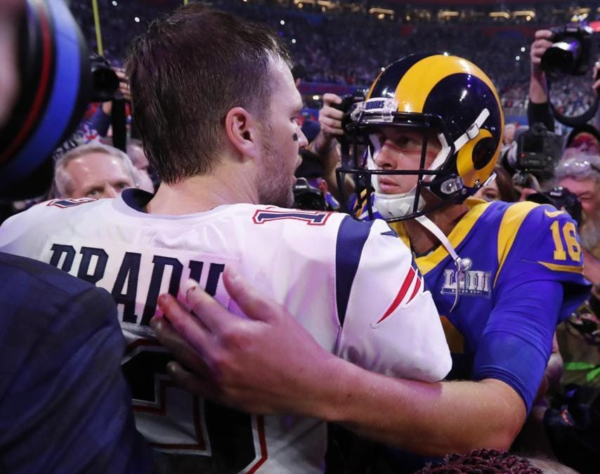 Tom Brady  dei New England Patriots e Jared Goff  dei Los Angeles Rams REUTERS/Kevin Lamarque