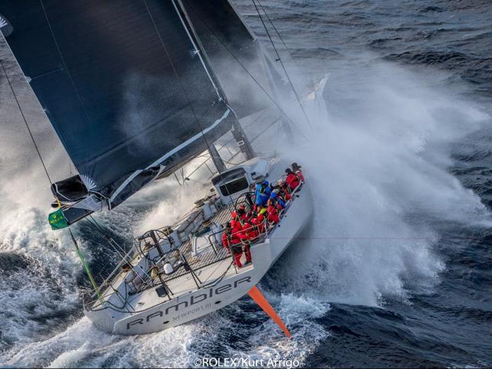 Vela, i venti forti spazzano la Middle Sea Reace
