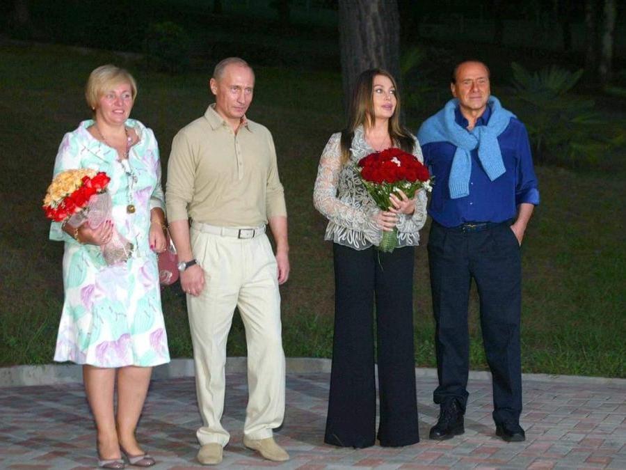 2005 - ospiti   del presidente russo Putin nella sua dacia sul Mar Nero (Olycom)