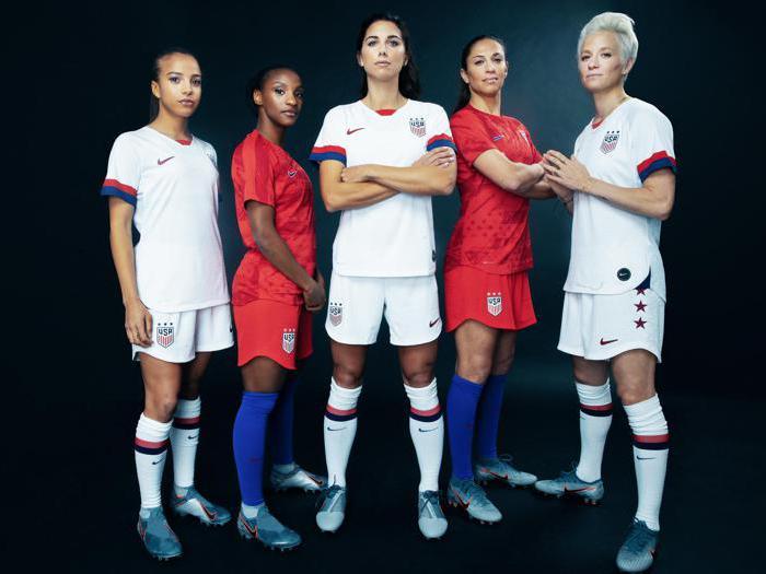 Calcio: le maglie mondiali firmate Nike