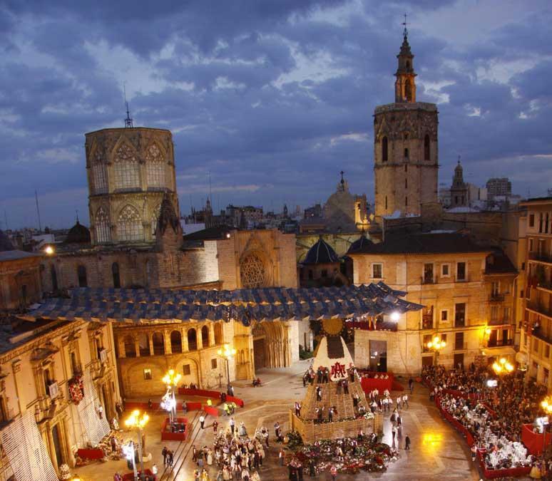 Las Fallas si svolgono tutti gli anni dall'1 al 19 marzo e sono appena state dichiarate Patrimonio culturale immateriale dell'Umanità dall'UNESCO (PH Visit Valencia)