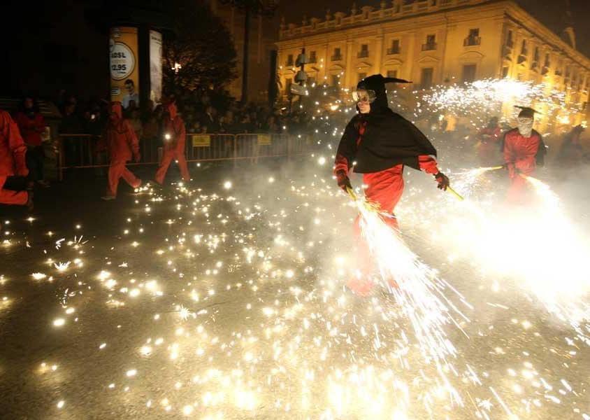 Spettacoli pirotecnici per le vie di Valencia (PH Visit Valencia)