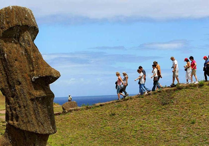 L'Isola di Pasqua, o Rapa Nui per i suoi abitanti polinesiani, famosa per i suoi maoi (PH Chile Travel)