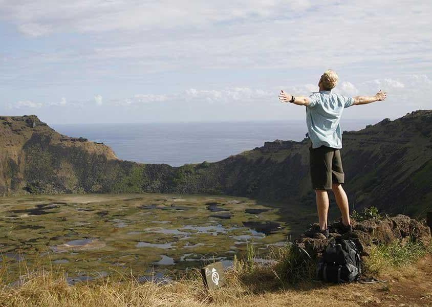 Il cratere del vulcano Rano Kau, che misura un chilometro di diametro e al quale si deve la nascita di Rapa Nui due milioni e mezzo di anni fa (PH Chile Travel)