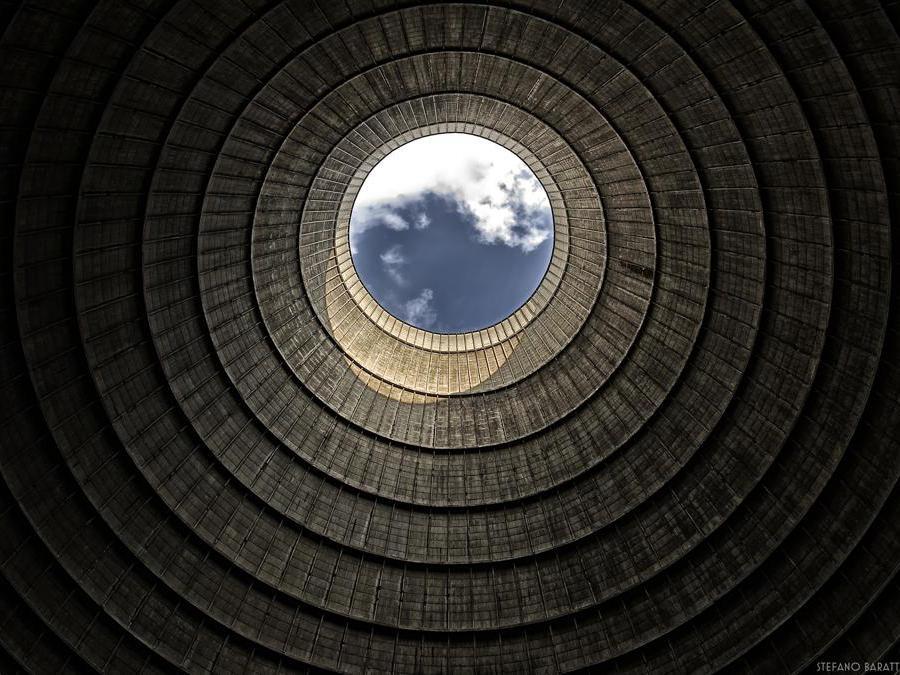Torre di raffreddamento in Belgio a Charleroi. (Foto Stefano Barattini)