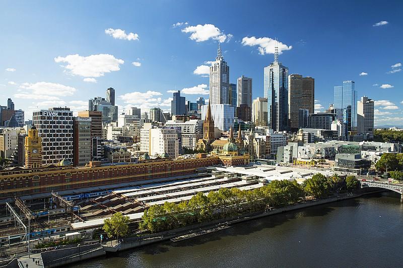 Flinders Street Station, Melbourne (credit Tourism Victoria)