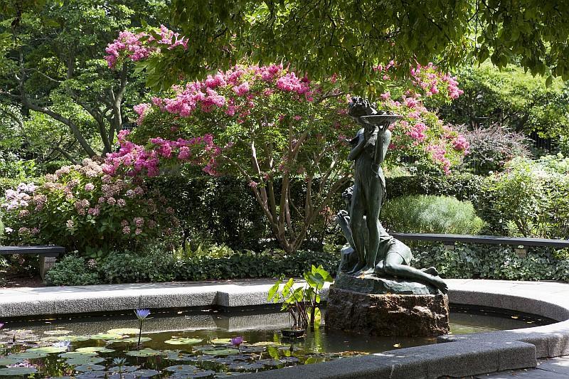 Conservatory Gardens, Central Park, Manhattan (© NYC  Company/ Marley White)