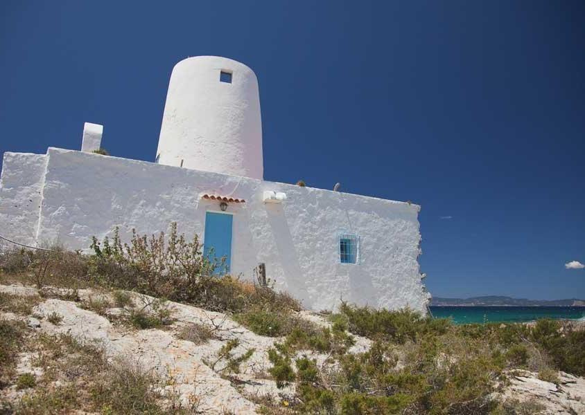 Una struttura all'interno del Parco Naturale delle Saline, una grande area protetta per la biodiversità presente (PH Turisme de Formentera)