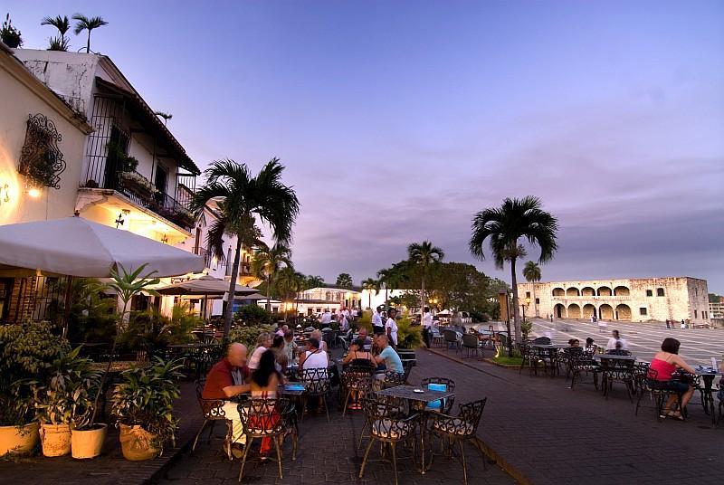 Ristoranti in Plaza Espana a Santo Domingo. (ph Ente del Turismo della Repubblica Dominicana in Italia )
