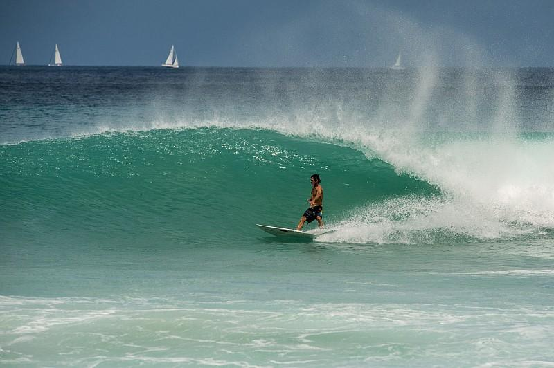 Una delle attivita più pratica sull'isola è il surf (©Lucio Rossi/bvitourism.it)