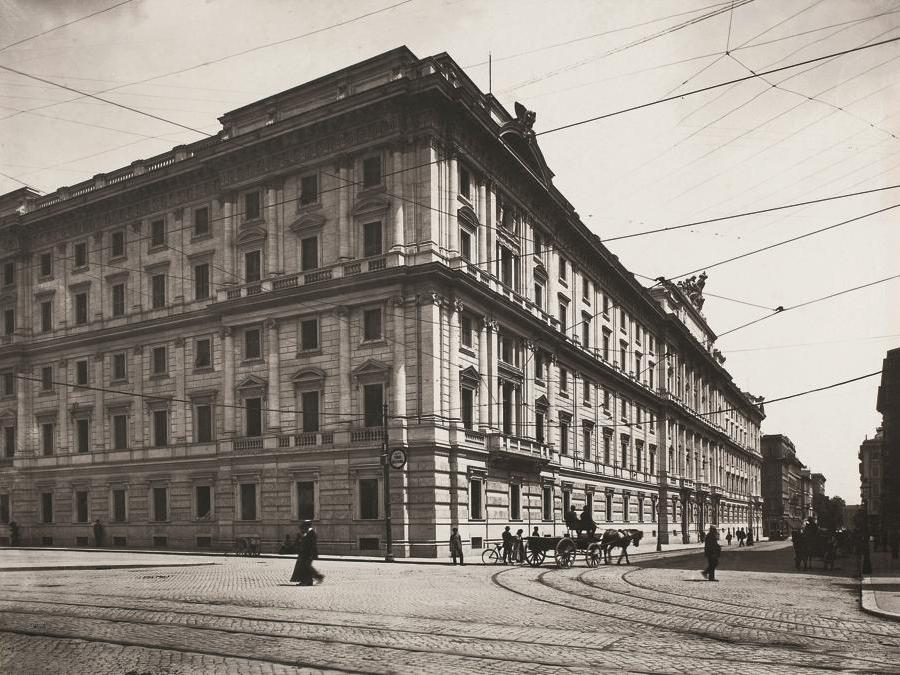 La nuova sede della Cassa depositi e prestiti a  Roma al termine dei lavori di costruzione, 1910