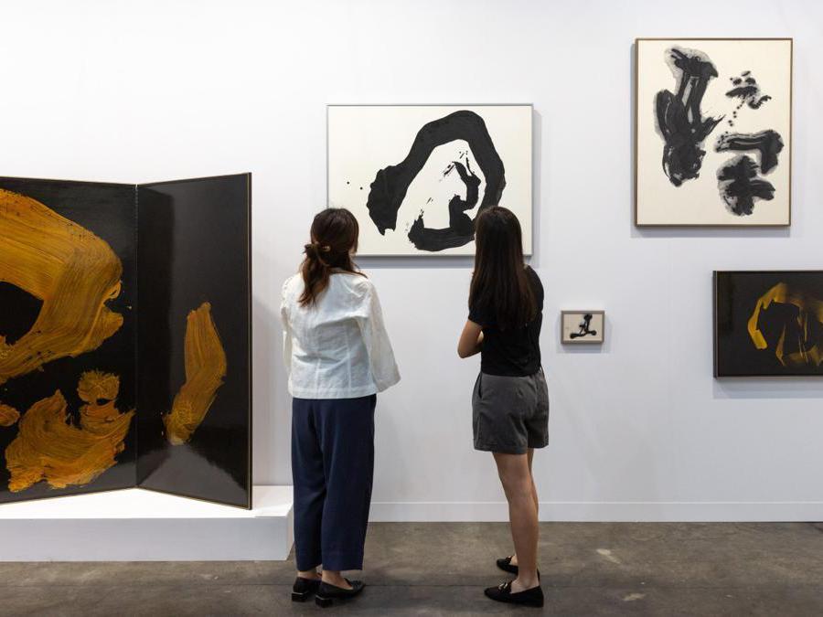 Lo stand della galleria Shibunkaku ad Art Basel Hong Kong 2021, Courtesy Art Basel