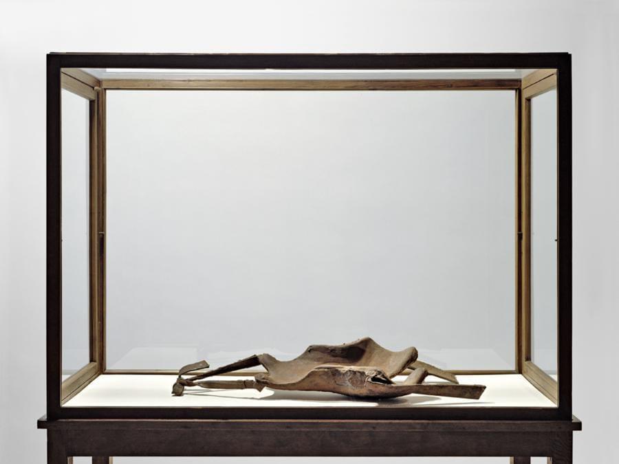 Joseph Beuys. Foto:  Farbanalyse.de«Backrest for a fine-limbed person (haretype)» 20esimo anno  1972-1982. Per gentile concessione della Galerie Thaddaeus Ropac, Londra, Parigi, Salisburgo (Joseph Beuys Estate / VG-Bildkunst, Bonn, 2020)
