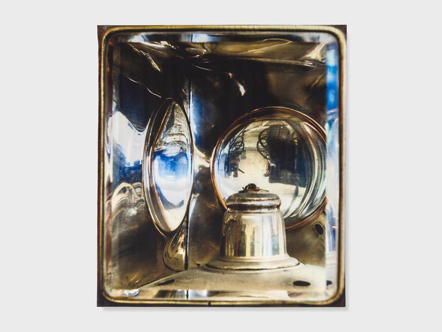 Elisa Sighicelli, 'Untitled (9386)' 2019,160x143 cm. Fotografia stampata su raso (foto di  Sebastiano Pellion di Persano)