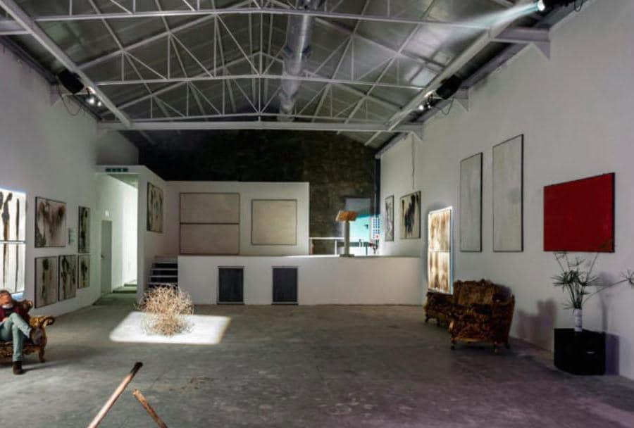 Opere di Gio Montez della serie nr.131115 – Restaurazione esposte presso Atelier Montez, 2015 (Foto di Francesco Perri)