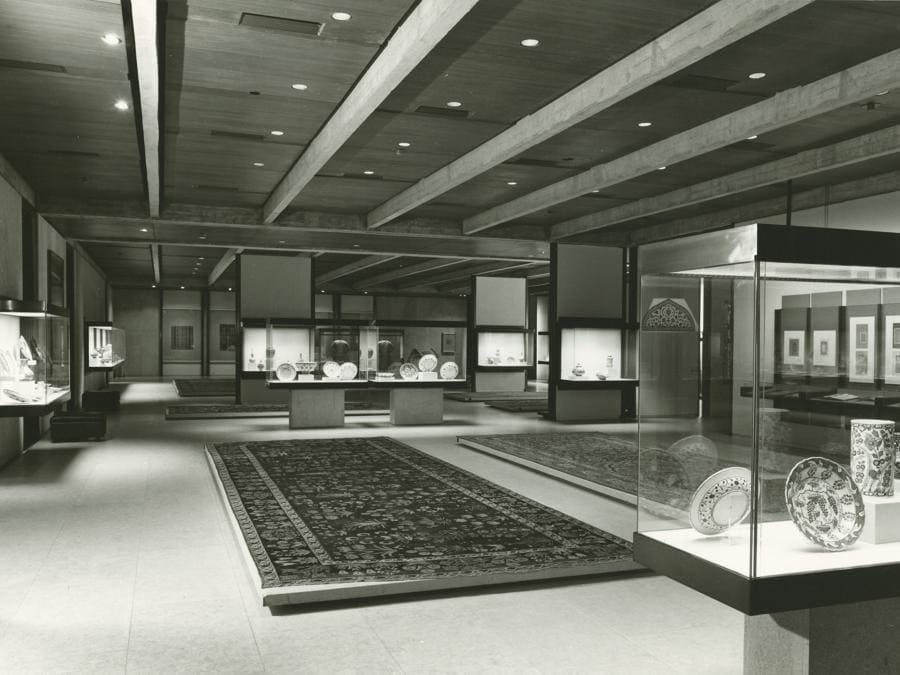 Museu Calouste Gulbenkian. Galleria d'Arte dell'Oriente Islamico, 1970 (foto Mário de Oliveira)