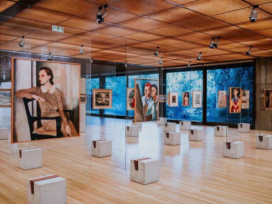 Lina Bo Bardi, Masp, Sao Paulo, 1968. Ricostruzione realizzata per Art on Display. 1949-69, presso il Calouste Gulbenkian Museum, Lisbona (Pedro Pina)