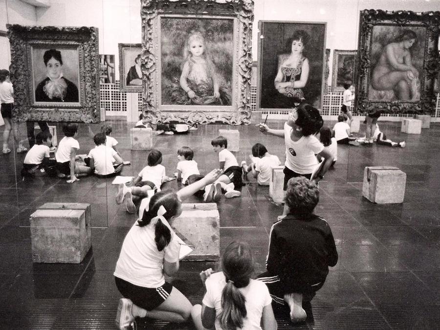 Studenti in visita al Museu de Arte de São Paulo, 1983. Acervo do Centro de Pesquisa do Masp