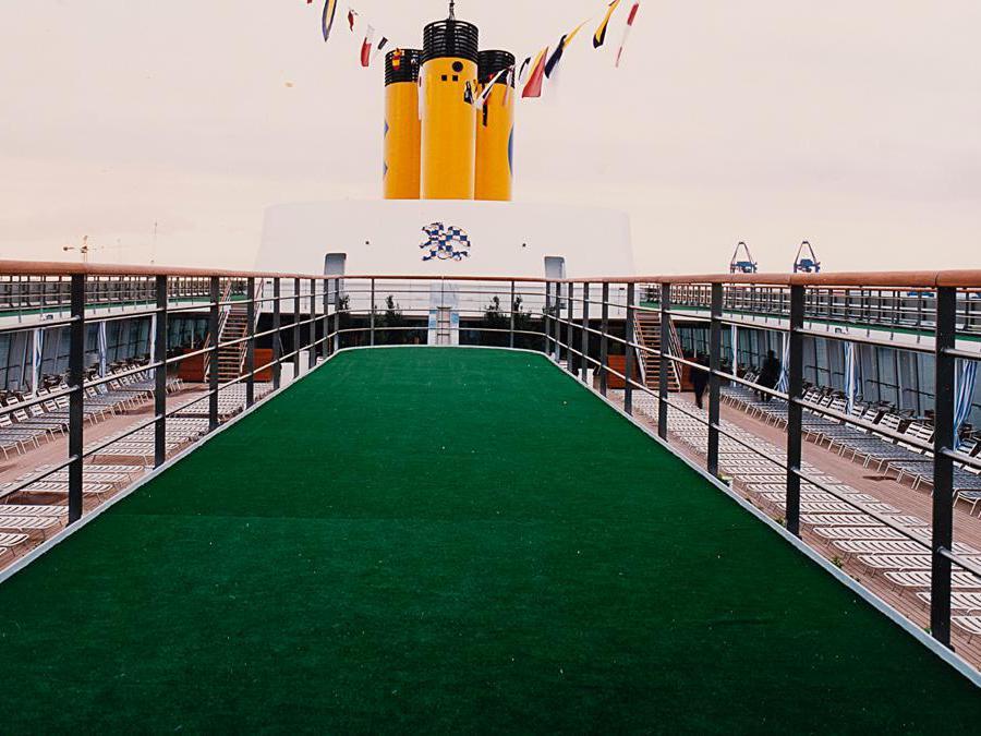 Il ponte silente della nave da crociera di Luigi Ghirri