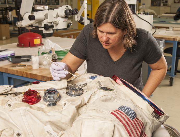 La tuta di Armstrong esposta allo Smithsonian