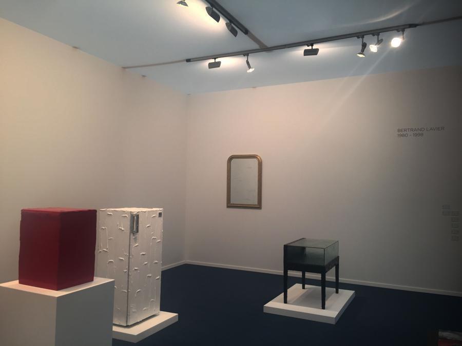Galleria Massimo De Carlo. Lavori di Bertrand Lavier