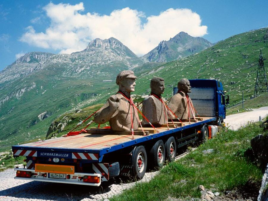 Still from Szeemann and Lenin Crossing the Alps, courtesy Rudolf Herz.