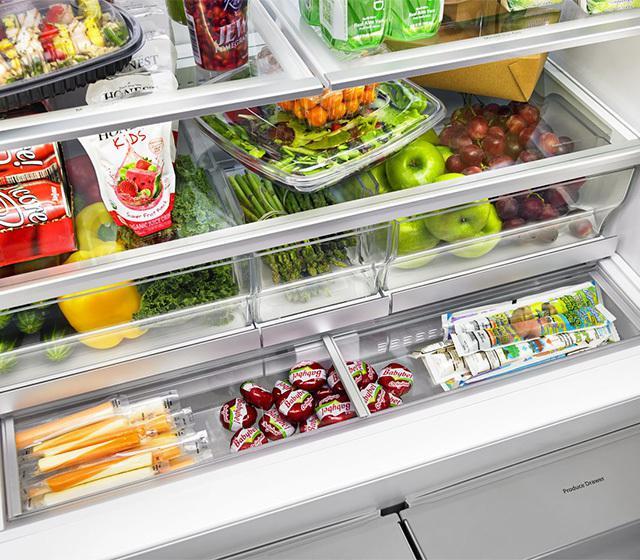 Whirlpool, l'organizzazione interna del Frech Door di Whirlpool evidenzia la netta separazione tra frutta e verdura, e tra i diversi tipi di provviste. Eccellenti risultati per la freschezza dei cibi