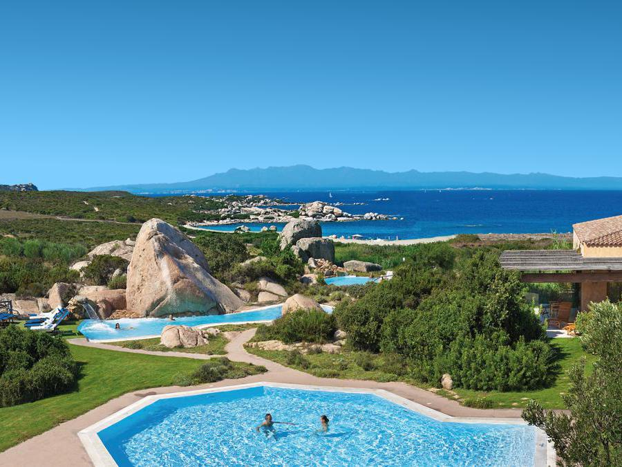 Resort Valle dell'Erica, centro benessere, panoramica piscine