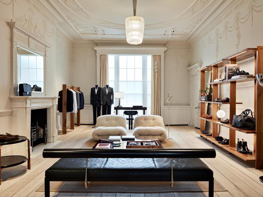 Negozio Brioni di Londra realizzato da Modar, azienda di IDB-Italian Design Brand Group