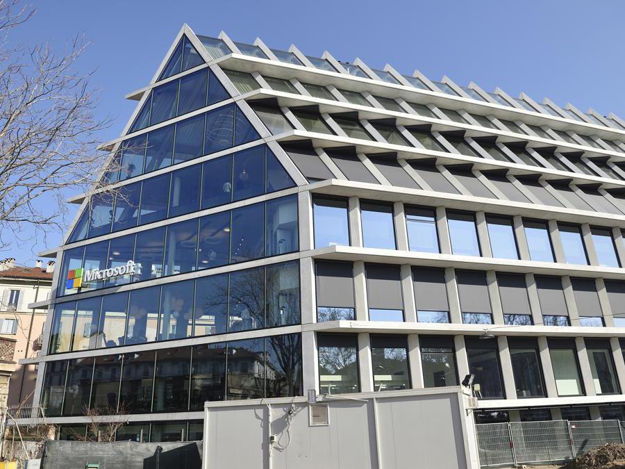 La sede di Microsoft Italia in viale Pasubio: l'edificio esterno. (Agf)