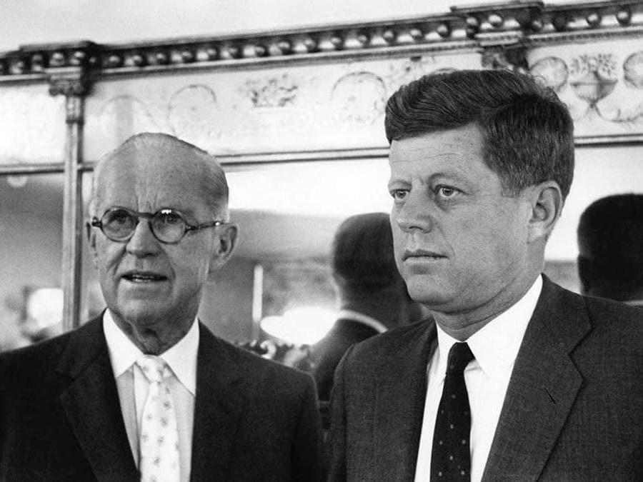 Ambasciatore Joseph Kennedy con il figlio John Fitzgerald Kennedy